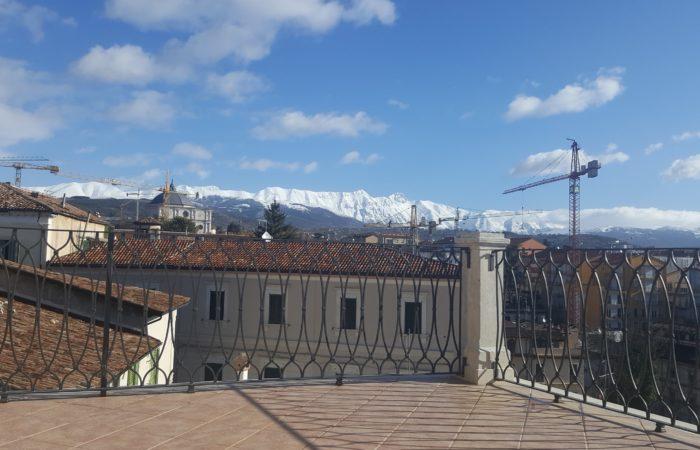 Esterno (terrazzo con vista Gran Sasso)